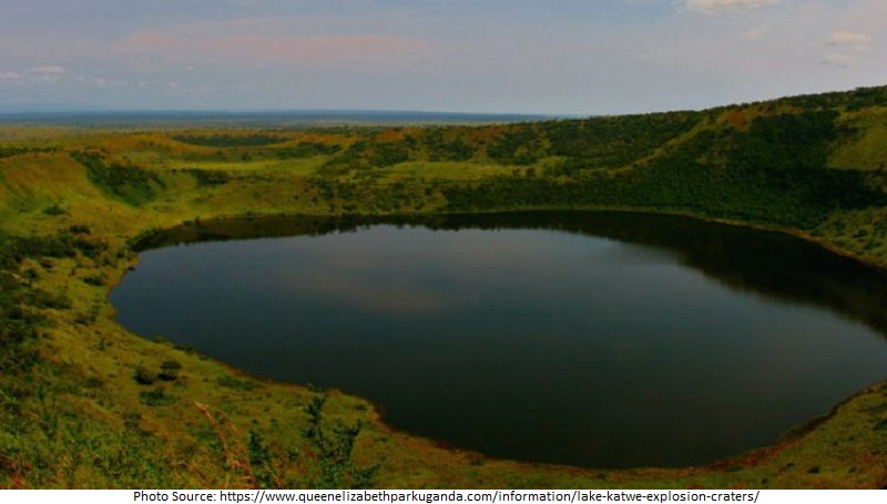 Tourist Attractions in Uganda, Lake Katwe Explosion Crater Drive