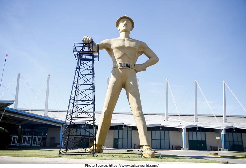 tourist attractions in The Golden Driller