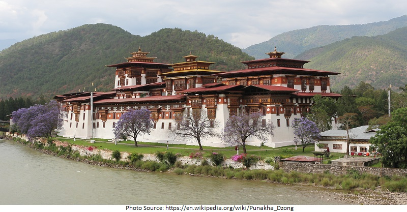 tourist attractions in Punakha Dzong