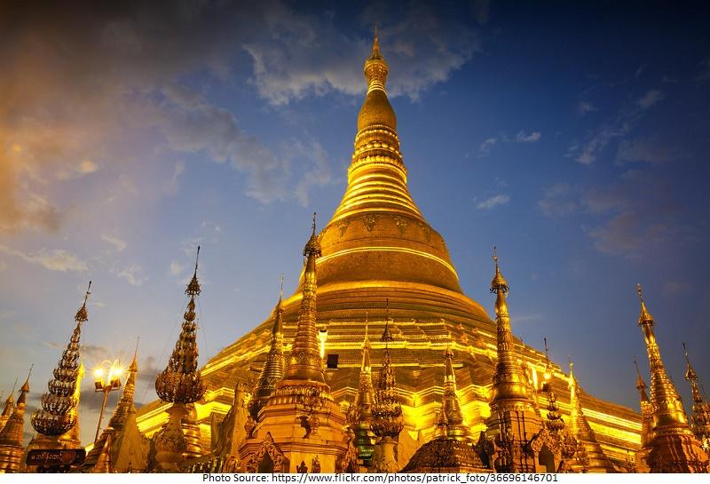 tourist attractions in Shwedagon Pagoda