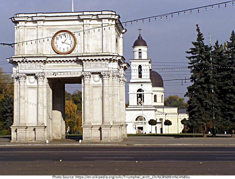 tourist attractions in Triumphal Arch
